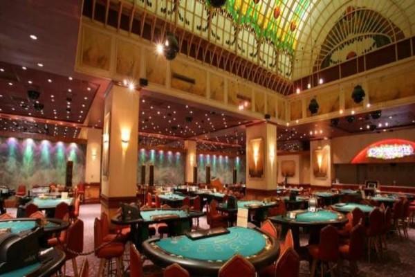 Χαλκιδική: Ανοίγει το καζίνο στο Πόρτο Καρράς!
