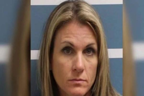 Αδιανόητο: Γυναίκα έκανε σeξ με δύο ανήλικα αγόρια που είχε «κλέψει» από τις κόρες της!