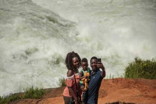 Τουρίστας στην προσπάθεια να βγάλει selfie έπεσε στον ποταμό του Νείλου και πνίγηκε!