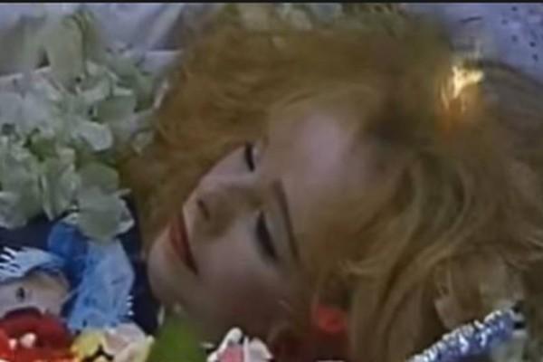 Ανατριχιαστικό: Τι συνέβη 23 χρόνια μετά την κηδεία της Αλίκης Βουγιουκλάκη; Εξαφανίστηκε το...