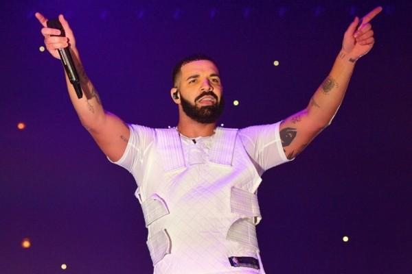 Απίστευτο: Το παιδικό σημείωμα του ράπερ Drake στη μητέρα του πωλείται για χιλιάδες ευρώ!
