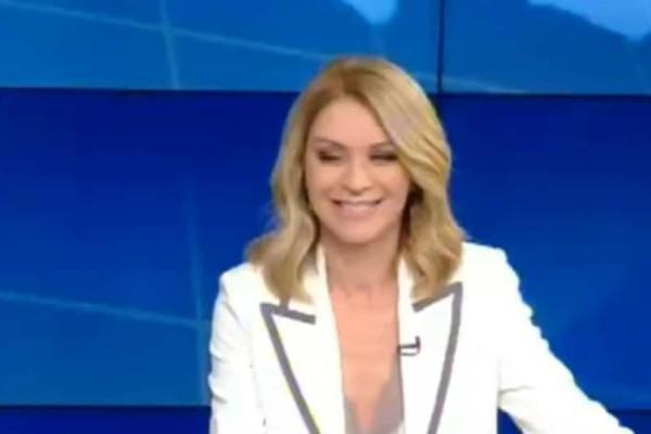 Έλλη Στάη: Δεν φαντάζεστε με ποιον αγαπημένο Έλληνα παρουσιαστή βρέθηκε στο δελτίο ειδήσεων! (video)