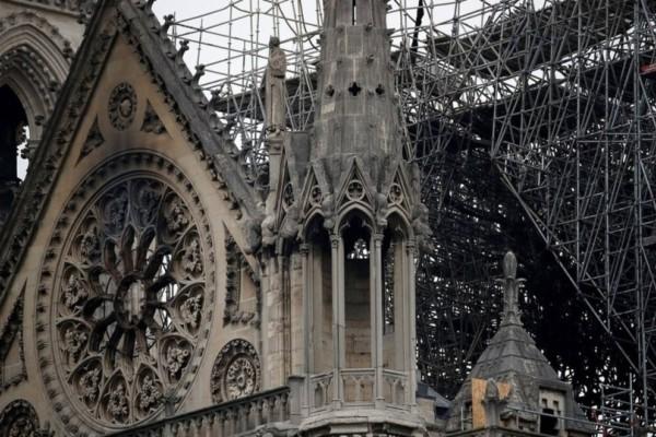 Παναγία των Παρισίων: Η Αλβανία δίνει 100.000 ευρώ για την ανέγερση του ναού!