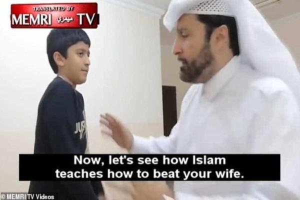 Kατάρ: Αντιδράσεις προκαλεί το μάθημα κοινωνιολόγου για το πως να δέρνουν οι μουσουλμάνοι τις γυναίκες τους!