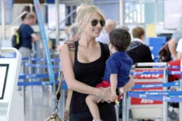Γιατί σταμάτησαν την Φαιή Σκορδά στο αεροδρόμιο; Τι βρέθηκε στην τσάντα της;