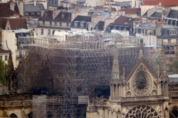 Παναγία των Παρισίων: Συγκλονιστικές εικόνες drone απο την τεράστια καταστροφή!