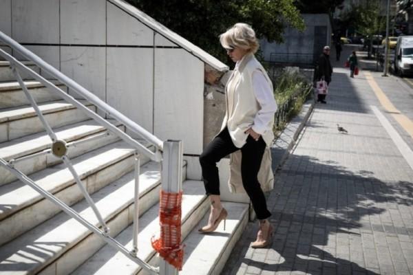 Νατάσα Καλογρίδη: Εμφανώς καταβεβλημένη έξω από το Εφετείο περιμένει τον Αλέξανδρο Λυκουρέζο!