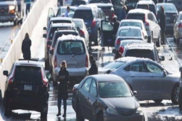 Λένορμαν: Kαραμπόλα μεταξύ 3 αυτοκινήτων!