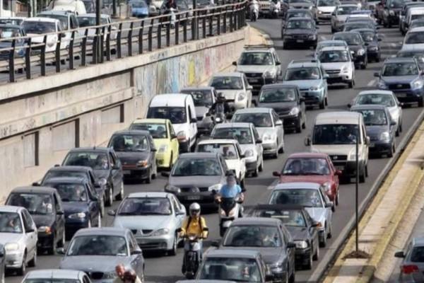 Σας αφορά: Αυξημένη κίνηση στους δρόμους της Αθήνας- Μεγάλη ταλαιπωρία για τους οδηγούς!