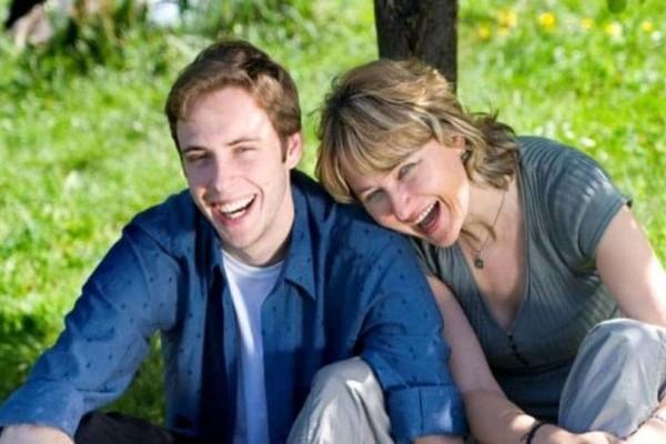 Ποια είναι τα θετικά όταν έχεις σχέση με μικρότερο άντρα;