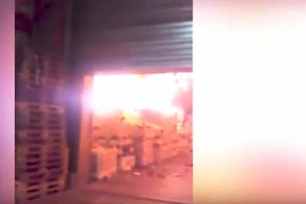 Μεγάλη πυρκαγιά ξέσπασε σε αποθήκες κρασιού κοντά στο Μπορντό της Γαλλίας! (Video)