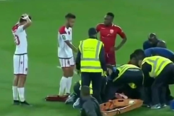 Tρομακτικό: Tερματοφύλακας τραυματίστηκε σοβαρά μετά απο σύγρκουση με συμπαίκτη του! (Video)