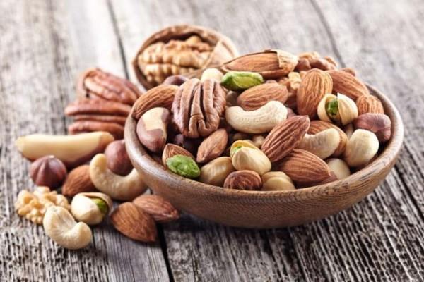 Θωρακίστε την υγεία σας...τρώγοντας απλά ξηρούς καρπούς!