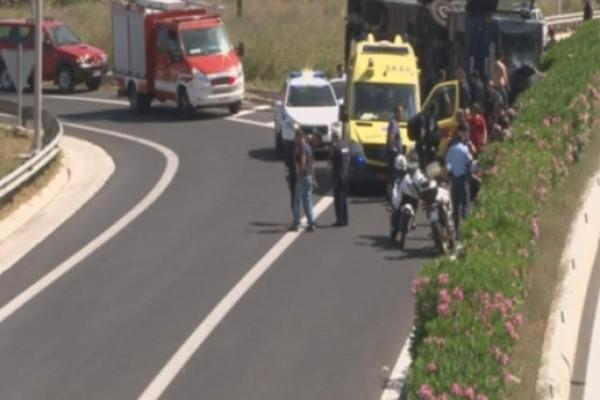 Tροχαίο στην Κόρινθο:  Έξι κρατούμενοι και επτά αστυνομικοί τραυματίστηκαν!
