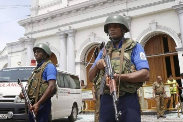 Σρι Λάνκα: Οι αρχές μπλόκαραν το Facebook και το WhatsApp!