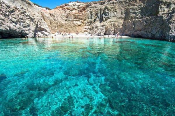 """Αυτή είναι η """"επικίνδυνη"""" παραλία της Ελλάδας! Αν βρεθείς ποτέ εκεί μεγάλη προσοχή"""