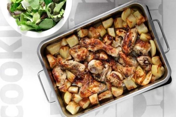 Πεντανόστιμη και εύκολη συνταγή για κοτόπουλο με πατάτες!