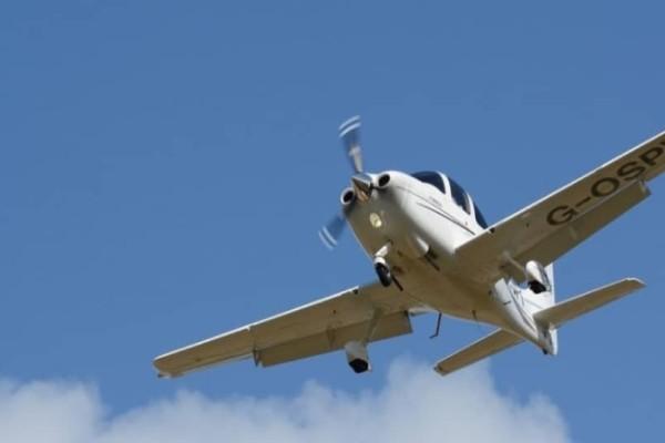 Σοκ: Εκατομμυριούχος έβαλε το τζετ του στον αυτόματο πιλότο για να κάνει σ3ξ με 15χρονη!