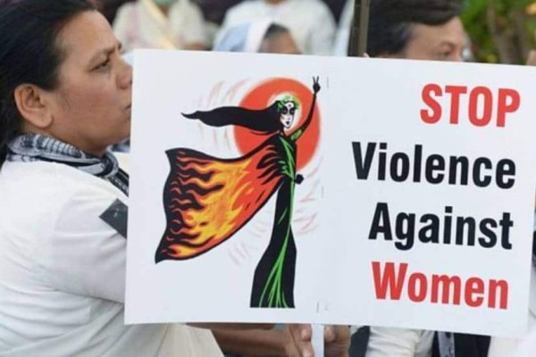 Ινδία: Γυναίκα σε απόγνωση αυτοπυρπολήθηκε