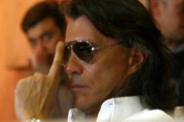 Ηλίας Ψινάκης: Αυτός είναι ο λόγος για τον οποίο φοράει συνέχεια γυαλιά ηλίου!