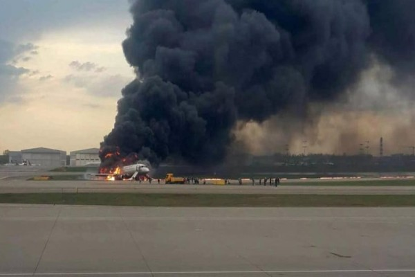 Αεροπορική τραγωδία στη Μόσχα: Αποκαλύψεις φωτιά για τους επιβάτες της business class! - Γιατί εμπόδισαν τους υπόλοιπους να σωθούν;