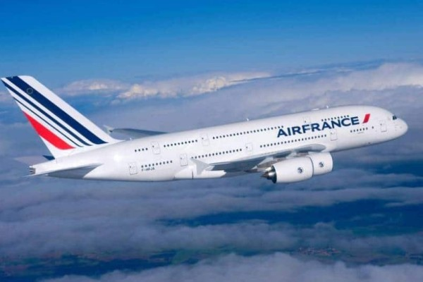 Περικοπές κάνει η Air France: 465 υπάλληλοι χωρίς δουλειά!