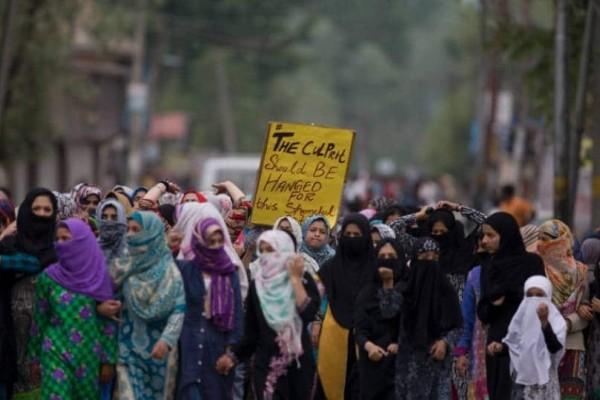 Ένταση στην Ινδία: Επεισόδια σε πορεία για βιασμό 3χρονης!