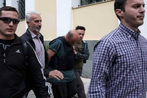 Αποκάλυψη βόμβα: Η κλούβα που ανετράπη μετέφερε τον 43χρονο παιδεραστή του Μοσχάτου!
