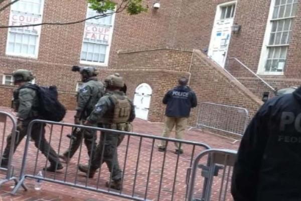 Ουάσινγκτον: 4 συλλήψεις μετά την έφοδο στην πρεσβεία της Βενεζουέλας!