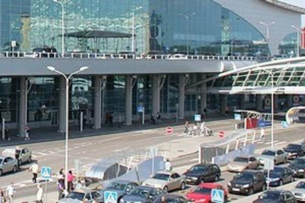 Μόσχα: Πυρκαγιά στο αεροδρόμιο!