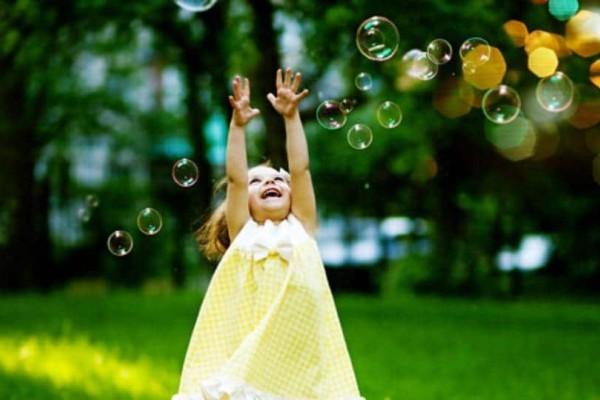 Η επαφή με τη φύση βοηθά τα παιδιά να έχουν πιο ήρεμη ψυχική υγεία!