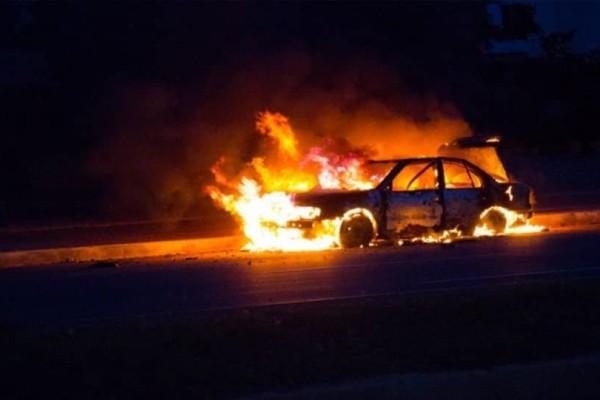 Κηφισιά: Πυρκαγιά σε αυτοκίνητο!