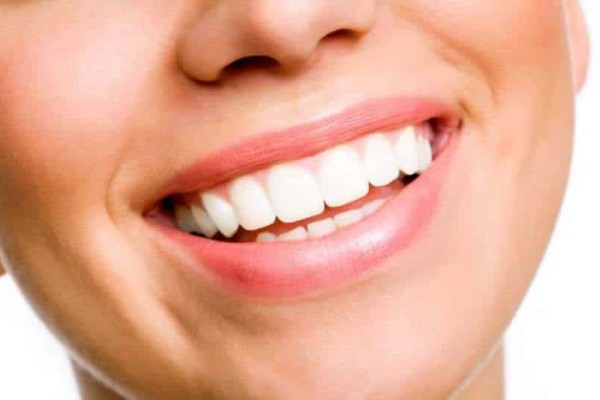 2+1 μυστικά για πιο λευκά δόντια!
