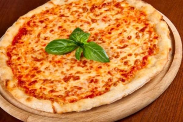 Τέλεια πίτσα μαργαρίτα!