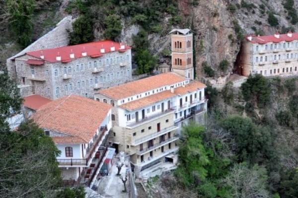 Ευρυτανία: Ιερόσυλος ληστής πήγε να προσκυνήσει και «σήκωσε» όλα τα τάματα!