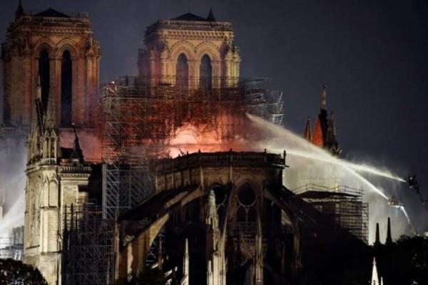 Παναγία των Παρισίων: Η τελική μορφή θα προκύψει από την κοινή γνώμη!