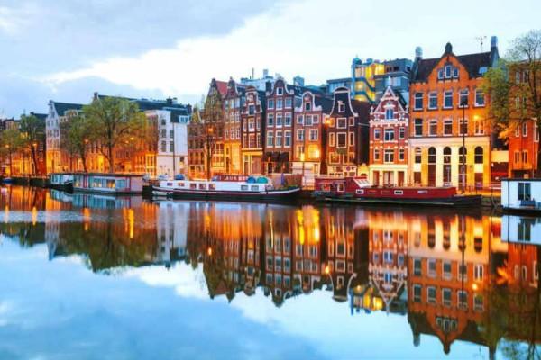 Απίστευτο: Η Ολλανδία θα  φορολογήσει τα αεροπορικά ταξίδια!