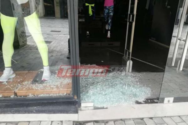 Γυαλιά καρφιά στην Πάτρα: Επίθεση με ρόπαλα σε 12 καταστήματα !