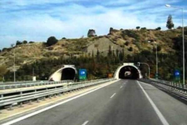 Τρομακτικό: Οδηγός πήγαινε ανάποδα σε τούνελ στην Ολυμπία οδό!