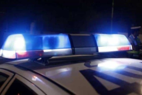 Εξάρχεια: Επίθεση με μολότοφ στο αστυνομικό τμήμα!