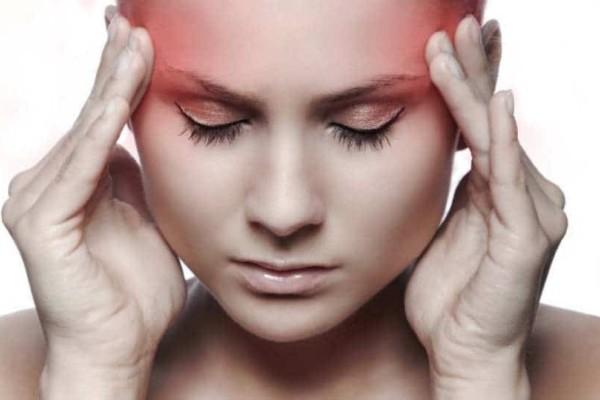 4+1 αιτίες που προκαλούν τον πονοκέφαλο και την ημικρανία!