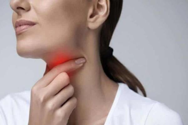 11+1 φυσικοί τρόποι να αντιμετωπίσετε τον πονόλαιμο!
