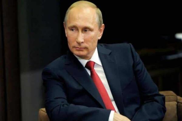 Ρωσικά διαβατήρια μοιράζει..ο Πούτιν!