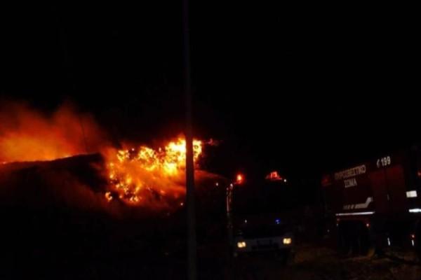 Βραδιά κόλασης σε Μαρκόπουλο και Πόρτο Ράφτη: Αποπνικτική η ατμόσφαιρα από την ισχυρή πυρκαγιά!