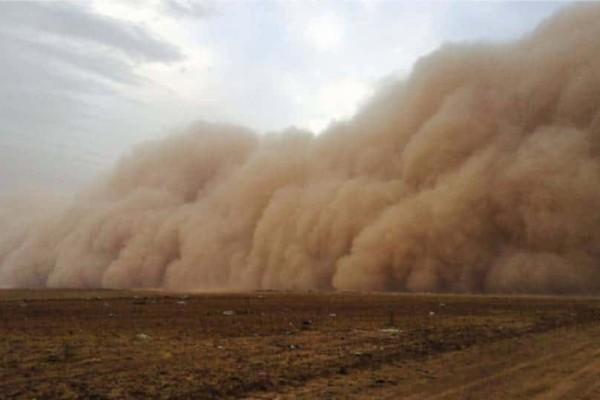 Αυστραλία: Σφοδρή αμμοθύελλα έκανε τη μέρα νύχτα!