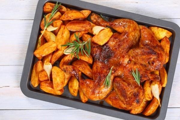 Μπουτάκια κοτόπουλου με πατάτες στο φούρνο!