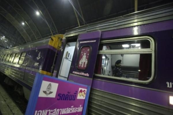Σοκαριστικό περιστατικό στην Ινδία: Tραίνο παρέσυρε τρείς έφηβους ενώ τραβούσαν selfie!