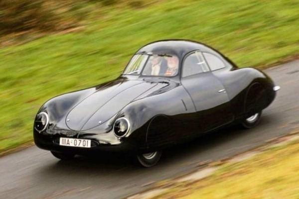 Η σπανιότερη και παλαιότερη Porsche βγαίνει σε δημοπρασία!