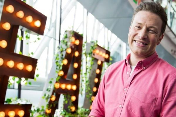 Καταρρέουν τα εστιατόρια του Jamie Oliver!