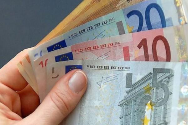 Τεράστια ανάσα: Επιστροφή φόρου 200 ευρώ ξαφνικά στους λογαριασμούς σας!